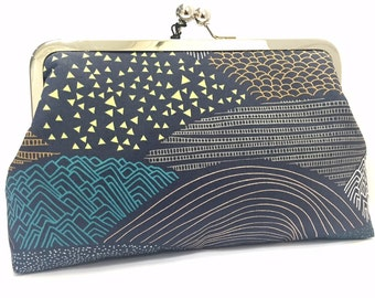 clutch purse - the hills are alive  - 8 inch metal frame clutch purse - large purse-hills -pattern- scallop - grey- kisslock