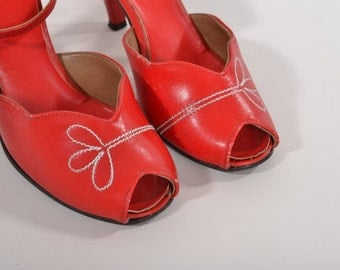 Vintage Red Peep Toe Shoes - 1970s Does 30s Ankle Strap - Summer Fashions Size 7.5