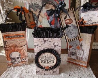 Halloween gift bags party favor candy containers BOO gift wrapping packaging Halloween altered paper gift bags for friend Hostess