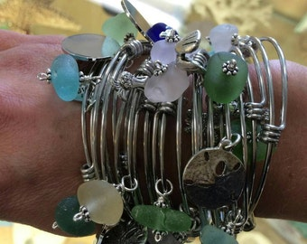 Bangle Maine Sea Glass and Charms Bracelet