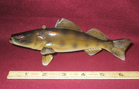 Walleye james stangland fish decoy carving by josephslures