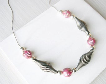 Silver Jewelry, Pink Necklace, Vintage Beads, Funky Jewellery, Unusual, Unique, Retro, Atomic Era, Space Age, Oxidized Look, Mid Century