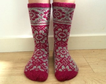 Hand knitted wool socks floral dark pink magenta fuchsia light grey winter fall norwegian fair isle