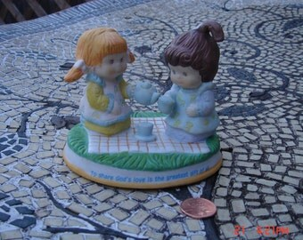 Special Blessings - Times to share Porcelain Figurine - To Share God's Love is the Greatest Gift of all - Sweet