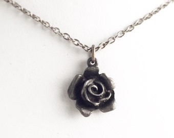 Vintage Pewter Rose Necklace / Little Flower Pendant Roses Lover / Small Delicate Hippie Boho Style Bohemian