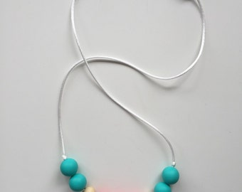 Coral Reef Gnawing Gnecklace