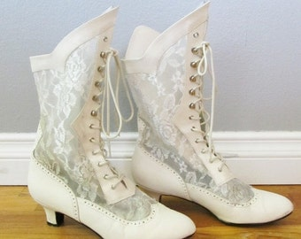40% OFF SALE Vintage Victorian Lace Western Cowgirl Boots / Fabulous Shabby Chic Wedding Bridal Lace-Up Size 10.5 US Costume Boots