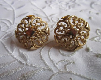 Vintage Gold Tone Avon Filigree Clip On Earrings