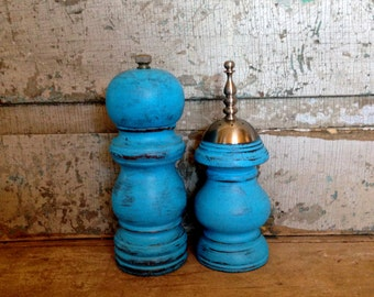 Turquoise Salt Shaker and Pepper Grinder Mill Wood Distressed