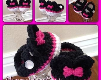 Minnie Mouse inspired crochet Booties - Newborn through 24 Months
