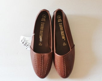 BLOWOUT 40% off sale Vintage 90s Brown Leather Flats, Woven, Women 7.5W - Leather Collection, NOS, nwt
