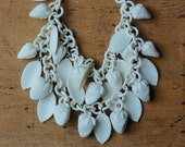 Vintage 1940s cream celluloid berries necklace ∙ vintage celluloid strawberry festoon necklace