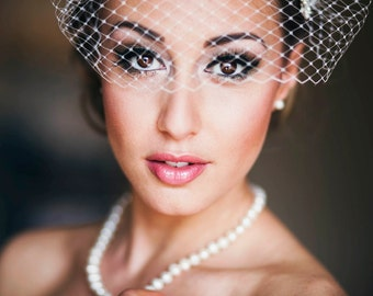 White Bandeau Style Veil Bridal Blusher Crystal Rhinestone Hair Combs