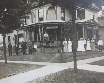 Antique Vintage Cabinet Card-Victorian Home-Owosso, MI-Family Gathering