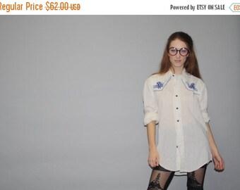 70% Off FINAL SALE - Vintage 1970s Blue Floral Embroidered Western Button Up Shirt   -  Vintage Western Top  -  Vintage Western Dress Shirts