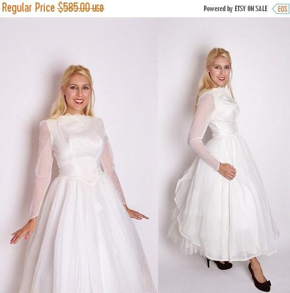 70% Off FINAL SALE - Vintage 1950s White Tea Length Wedding Dress / 1950s Wedding Dress / Wedding Dress / Vintage Wedding / 50s Dress / 1347