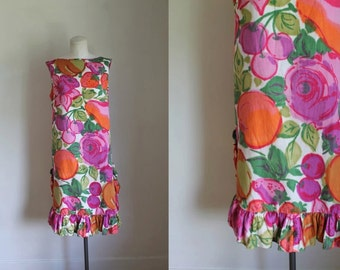 vintage 1960s novelty print dress - FRUIT PUNCH hand painted hawaiian dress / L