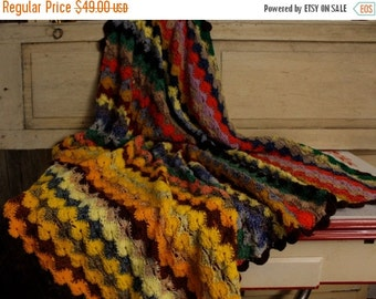 ON SALE Vintage Hand Spun Color Circles Afghan, Throw, Coverlet, Boho Blanket, Cozy Comfort Colorful Bed Cover,Hand-Made Home and Living, Ho