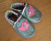 little birds baby girl shoes size 5/ 12-18 months