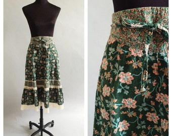 Vintage Green Floral Skirt- S, Boho Lace, 60s Hippie Circle Skirt, Festival Cowgirl, 27 Waist, Cinch Waist, Breezy, 70s Stevie Nicks LOT 2