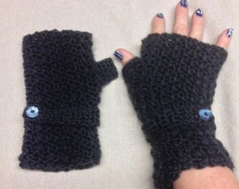 crocheted fingerless mittens/wristwarmers