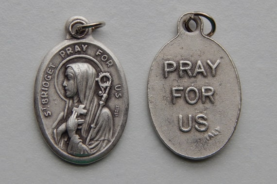 5 Patron Saint Medal Findings - St. Bridget, Die Cast Silverplate, Silver Color, Oxidized Metal, Made in Italy, Charm, Drop, RM106