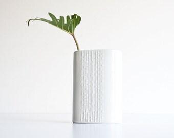 Vintage Modern Naaman Artline Textured Porcelain Vase