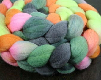 HONOLULU FIREWORKS 21.5m Merino wool roving - 6.8 oz
