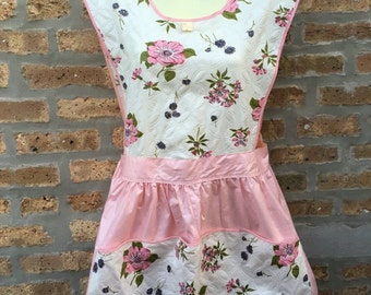 FULL wrap APRON - buttons - PINK - floral - huge pocket - nos - with tag - size M