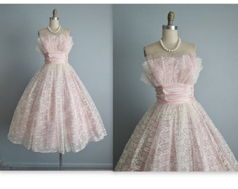 50's Prom Dress // Vintage 1950's White Pink Lace Shelf Bust Wedding Prom Dress Tea Gown S