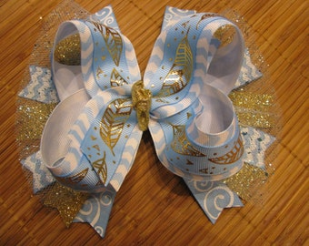 3400 light blue with gold feathers double ribbon boutique bow with tulle and spikes