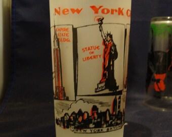 Hazel Atlas Frosted New York City The Big Apple Empire State Building Rockafeller Center Tourist Souvenir Glass 1940's or 50's
