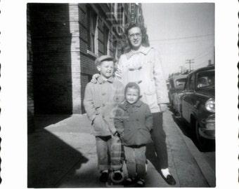 Digital Download, Family Photo, Vintage Photo, Family Photo, Snapshot, Printable, Found Photo, Black & White Photo, Childhood, Deckled Edge