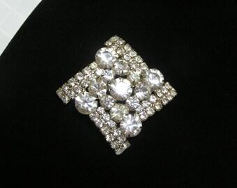 Vintage 1950s stunning unsigned beauty rhinestone brooch