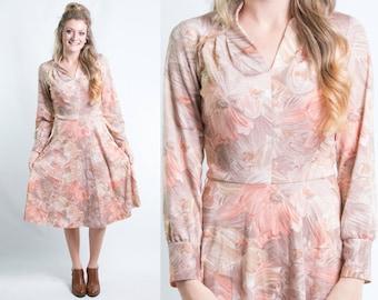 Vintage 1970s Peach Gold Brown Floral Print Dress * Boho Fall Autumn Secretary Long Sleeve Knee Length * Size Small * FREE SHIPPING