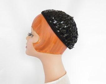 1930s vintage calotte hat, black sequin cap, Juliette style