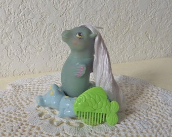 G-1 WAVEDANCER- Watercolor Baby SEA PONY with Alligator Float and comb, 1986