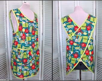 """Cross Back No Tie Apron/Smock-""""Cook and Cultivate"""" by Robert Kaufman-size Med/Large"""