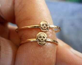 14k Tiny Skull Stacking Ring Dainty Flat Skull Solid Gold Skinny Band Petite 6mm x 4mm Miniature Skeleton Bone Head Gift for Her