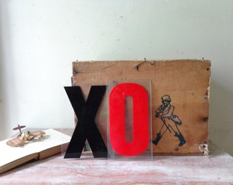 VIntage Marquee Letters - XO
