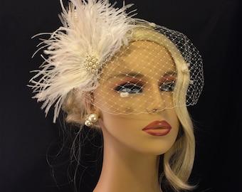 Ivory Wedding Hair Clip, Wedding Hair Accessories, Feather Hair Clip, Wedding Hair Clip, Bridal Fascinator, Wedding Hair, Ivory Fascinator