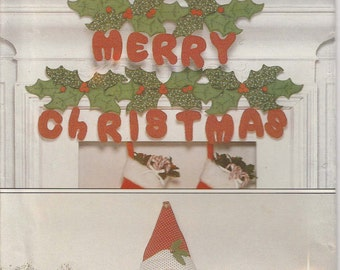 Santa Decoration Pattern Merry Christmas Letters Garland Holly Leaves Uncut Butterick 245