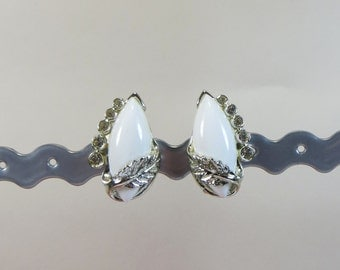 Vintage Signed Bogoff Clip On Earrings, White Silvertone Clip On Earrings, 1970s 1980s Vintage Clip On Earrings