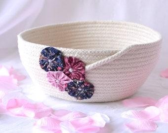 Pretty Yarn Bowl, Handmade Rope Basket, Modern Clothesline Basket, Lovely Candy Bowl,  hand coiled natural rope basket
