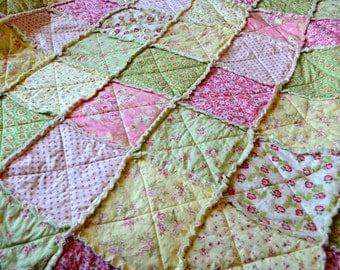Shabby Chic Floral Rag Quilt, Pink, Yellow, Green