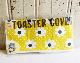Vintage Toaster Cover - Unused in Package - Yellow & White Daisies with Polka Dots - 1970s Mod Flowers