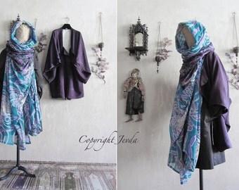 Kimono jacket, vintage silk kimono, kimono robe, short kimono, boho kimono, silk jacket, Haori, Michiyuki, Hooded Scarf, Infinity Scarf