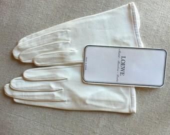 Vintage White Leather Wrist Length Gloves - Dead Stock = Mid Century