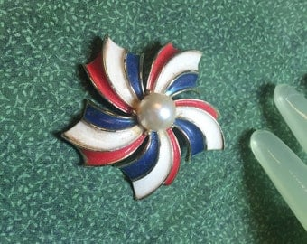 "Vintage 2"" Goldtone Red White & Blue Enamel Painted Faux Pearl Center Pin"