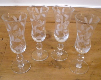 Vintage Etched Glass Small Footed Cordials. Set of 4.